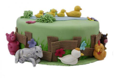 cukrarka-zilina-detksa-narodeninova-torta-so-zvieratkami