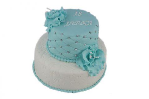 cukrarka-zilina-narodeninova-torta